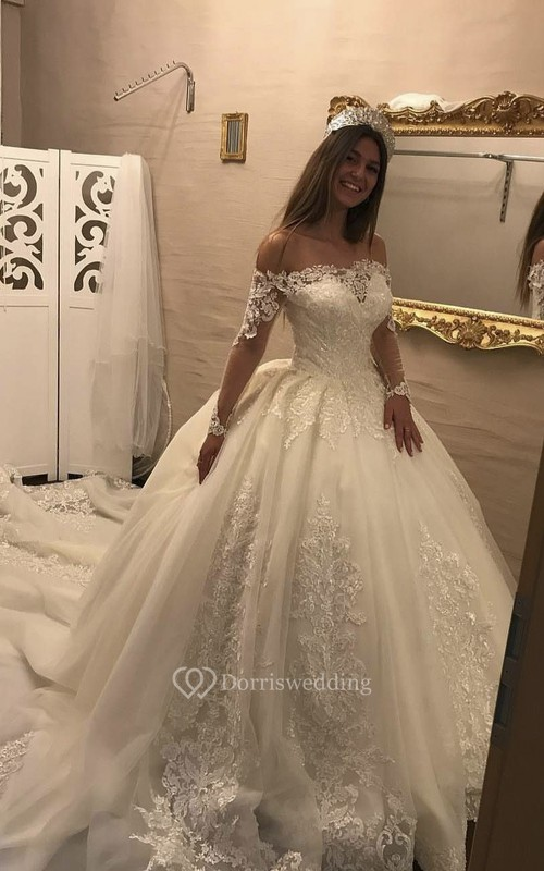 Illusion Lace Long Sleeve Luxury Off-the-shoulder Ballgown Wedding Dress With Keyhole Back