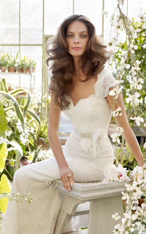 Graceful Cap Sleeve Keyhole Back Lace Dress With Floral Applique