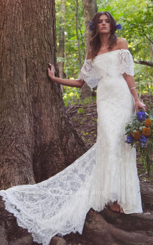 Boho Off-Shoulder Sheath Scalloped Lace Wedding Dress With Long Train