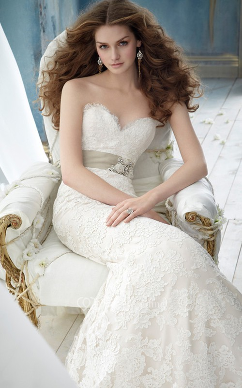 Chic Sweetheart Neckline Lace Over Charmeuse Dress With Appliques and Ribbon